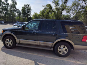 2003 Ford Expedition 4x4 SUV, Crossover