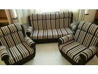 SETTEE AND PAIR OF ARMCHAIRS
