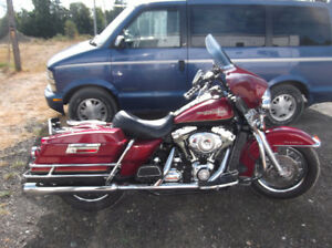 2007 RoadKIng very clean with xtras
