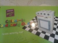Colour in cardbard oven fr young girls