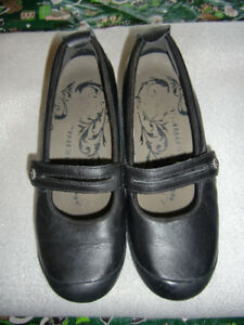 Women's Merrell Black Leather Mary Jane Style Shoes - sz. 6