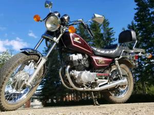 SAFETIED 1983 cm250 Honda custom will take trades!