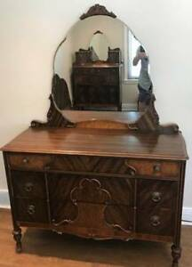 ANTIQUE MAHOGANY BEDROOM SET