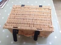 12 mini picnic hampers used for wedding
