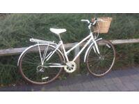 raleigh ladies bike (mint condition)