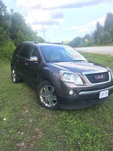 Loaded 2010 AWD GMC Acadia SLT-2