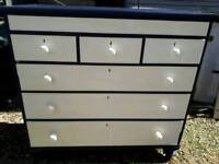 Antique 1800 Victorian chest of drawers