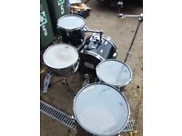 Kestrel 5 drum kit with all stands and pedals