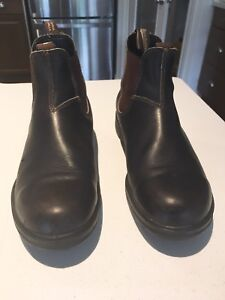 Selling Brown Leather Blundstone boots size 11.5