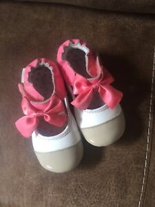 Robeez shoes  12-18 months