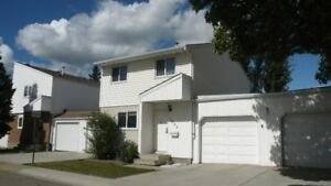 Double garage 4 bedrooms Millwoods Townhouse