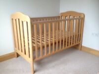 Mammas and papas Lucia cot bed and mattress