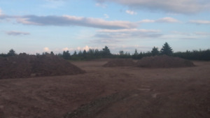Top soil and peatmoss
