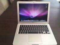"Apple MacBook Air A1237 13.3"" ,2gb ram ,120gb hdd , dead battery"
