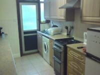 Double room for Male, 2 mins walk to West Harrow tube (bills incl)