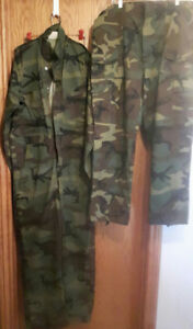 hunting clothes  uninsulated size 42-M