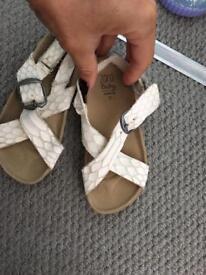Zara leather sandals ids size 24 (infant 6)