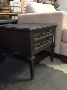 Sturdy side table with excellent large drawer for storage