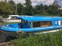 Boat for Sale, just been painted and ready to go . 5/6 bearth