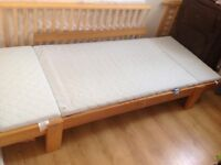 Extendable bed with mattress
