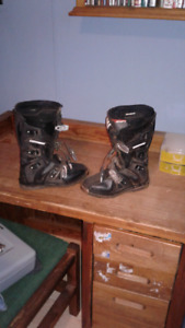 Shift size six motocross boots
