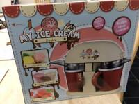 Ice cream/milkshake maker