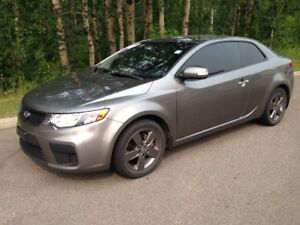 2010 Kia Forte Koupe Coupe (2 door)