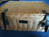 Brand new Regency Hampers picnic hamper for 2