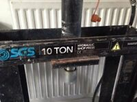 10 ton press missing plate but in good working order