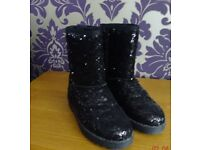 Black sequin fur lined calf boots -size 3
