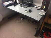 Computer Office Desk (6 sockets!)