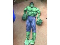 Hulk Marvel costume and large gloves age 8/9