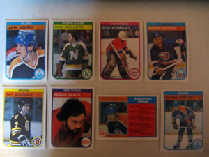 376 different 1982-83 hockey cards in nice condition; 4 Gretzky