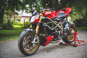 Ducati StreetFighter 1098S (RARE)