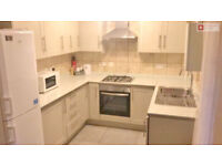 **Newly refurbished 3 bedroom house with private driveway on Richard House Drive, Beckton E16 3RE!**