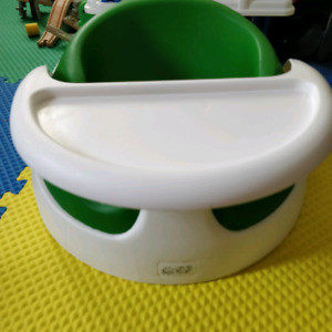 mama papa baby bumbo/ booster/ floor chair