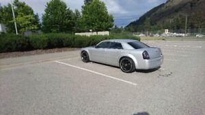 2005 Chrysler 300-Series Sedan Moving- must sell