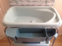 Chicco Baby Bath and Changing Table