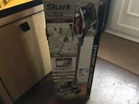 Shark HV320 true pet hand held / upright vacuum cleaner boxed