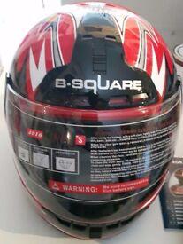 B-Square Motorcycle Helmet Brand New Small
