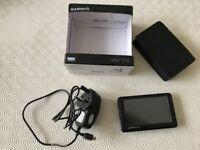 Garmin Nuvi 1310 Sat Nav with case & dashboard mounting device