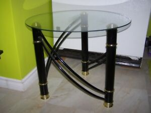 METAL COFFE TABLE with OVAL GLASS ON THE TOP