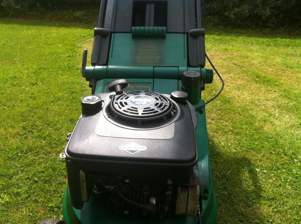 qualcast petrol lawn mower suffolk turbo 40 with 17 cut. Black Bedroom Furniture Sets. Home Design Ideas