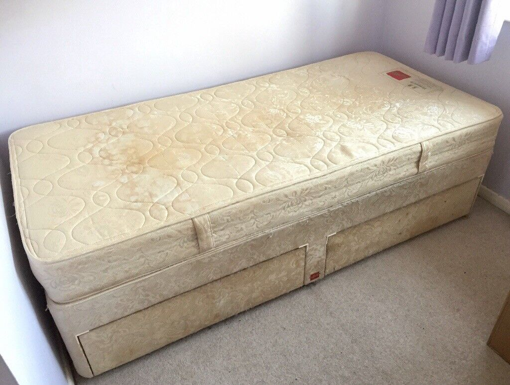 Single bed with 2 drawers
