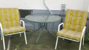 GlassL Lawn Table and Chairs