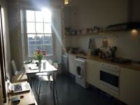 Looking for 2 bedroom flat in Berlin from June 2018, offering a bright, 2 bedr flat in Old Town