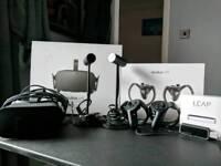 Oculus Rift + Rift Touch + LeapMotion