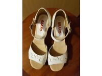 White leather shoes size 37, new