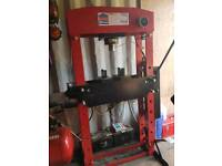 50 Tonne Sealy Press