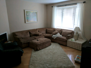 Room for Rent in Townhouse with indoor parking